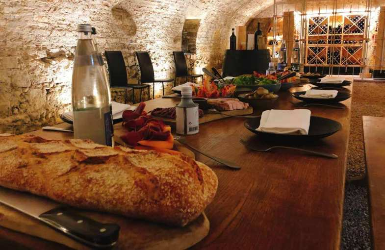 Wines and Tapas stay