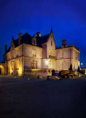 Château Pape Clément de nuit