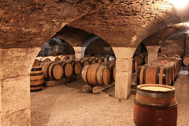 route des vins bourgogne vinotrip. Black Bedroom Furniture Sets. Home Design Ideas